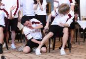 王祖蓝《奔跑吧》实力开跑 流利英文跨国演讲