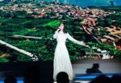 张碧晨为汶川地震十周年献唱  正能量传递榜样力量