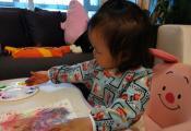 朱丹和女儿玩手绘游戏 小小丹脸蛋肉嘟嘟超可爱