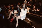 王婷受邀参加东京时装周 小香风时尚穿搭魅力满分