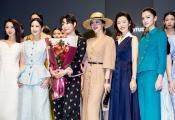常思思出席春夏上海时装周 展现时尚知性美